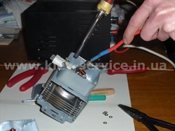 Замена проходных конденсаторов магнетрона микроволновой печи (фото)
